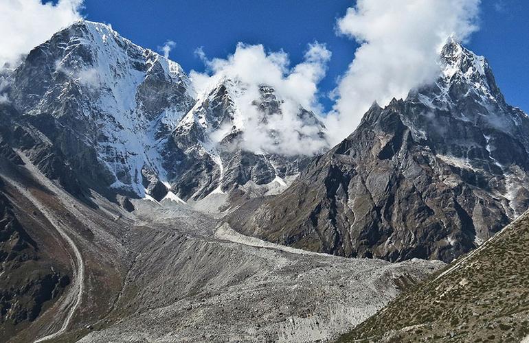 Top hard highest Trekking Pass